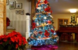 christmas-decorating-1