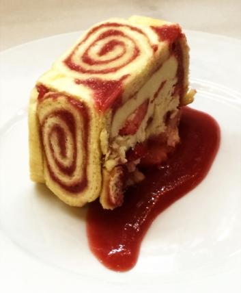 strawberry-monoco-cake